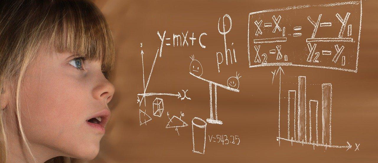 保険会社が保険料を決める「保険数理」とは?わかりやすく解説