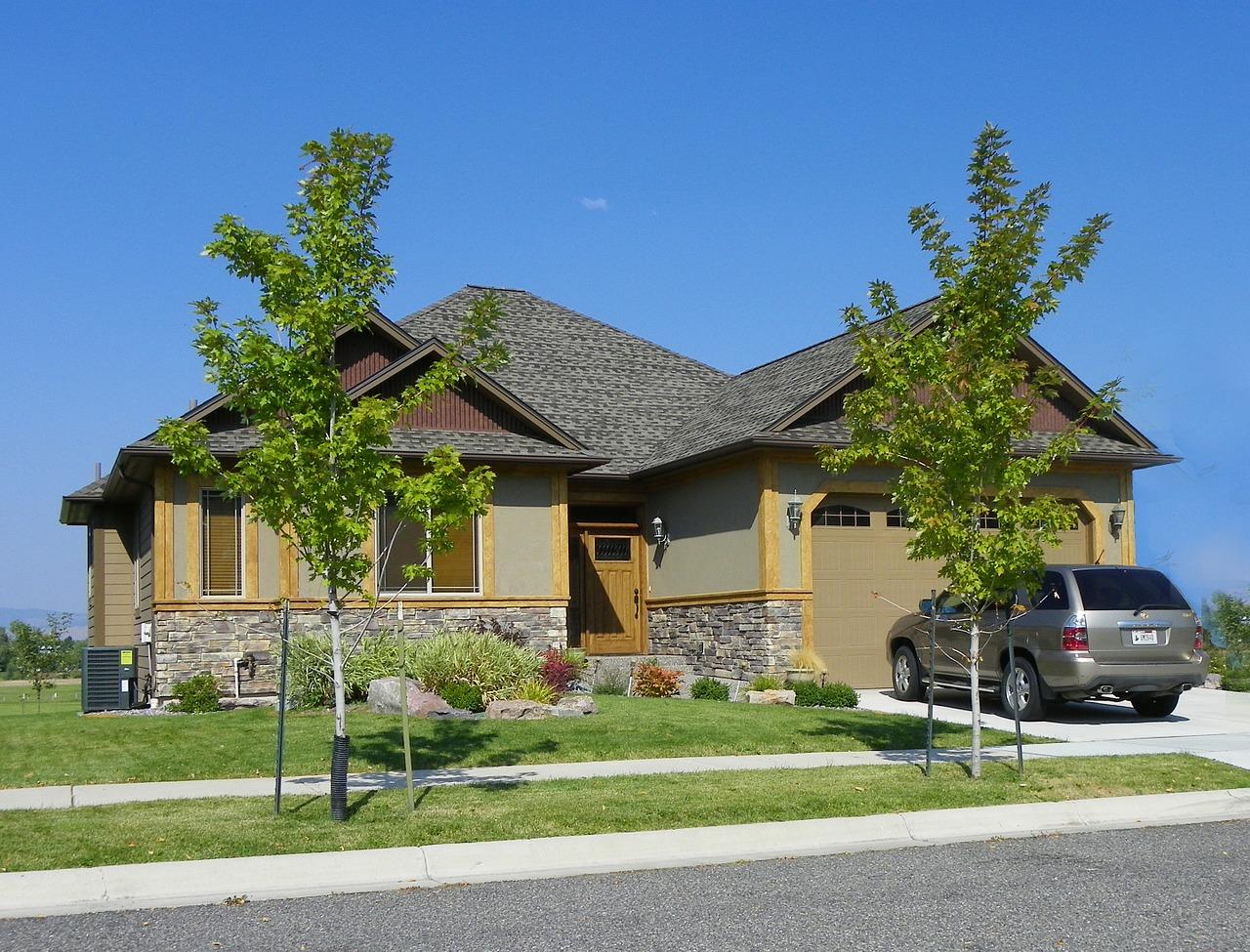 持ち家や自動車など、生活保護受給者が保有できる財産を解説